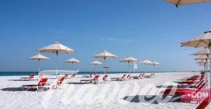 شاطئ جزيرة السعديات_ Travveo Com للخدمات السياحية