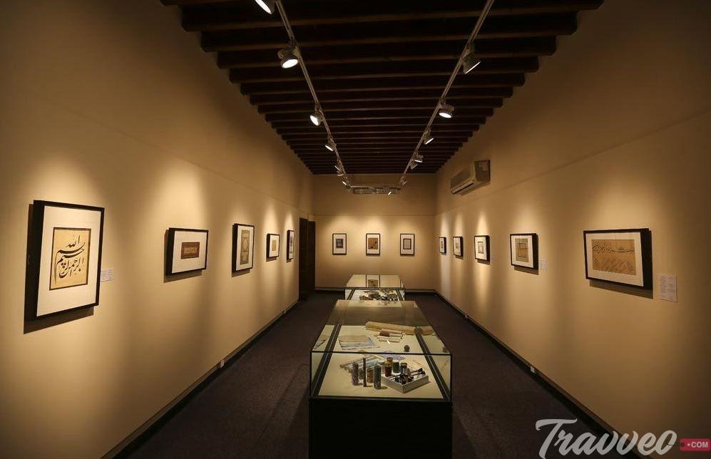 متحف الشارقة للفنون_Travveo Comلخدمات السياحة