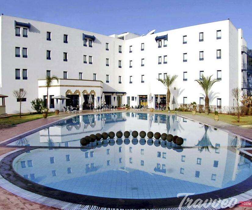 موقع فندق إيبيس مكناس