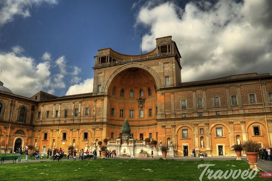 متحف الفاتيكان الشهير