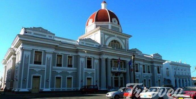 السياحة فى كوبا فى مدينة سينفويغوس