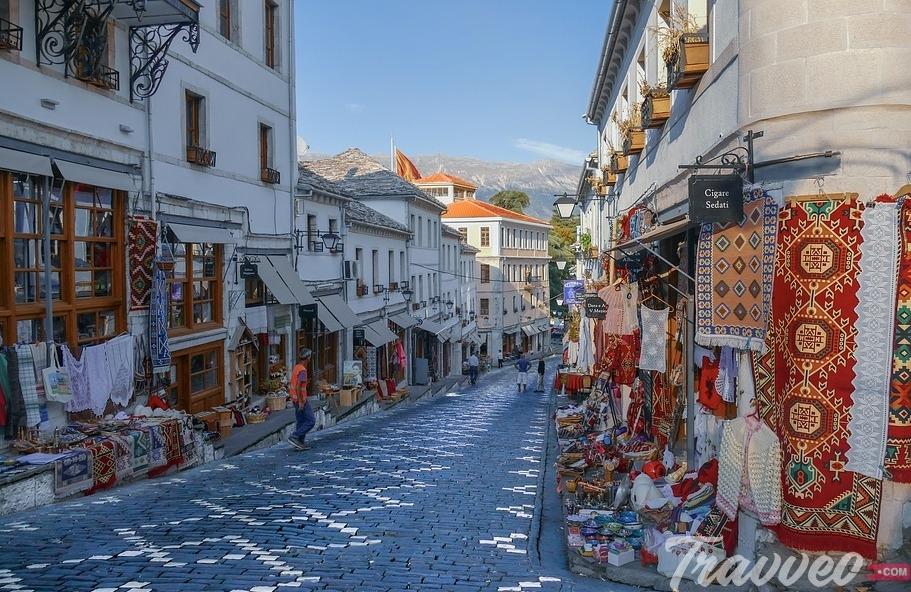 السياحة فى ألبانيا