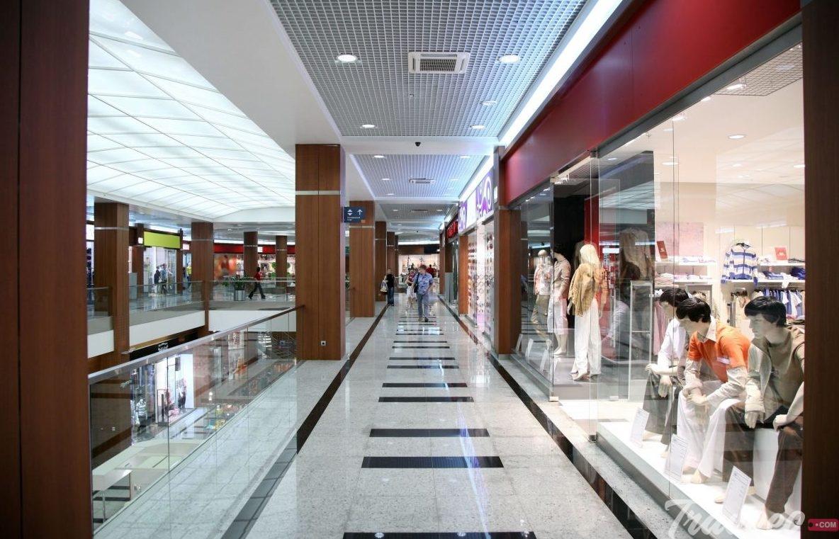 مجمع تسوق لا كورت لومباردا