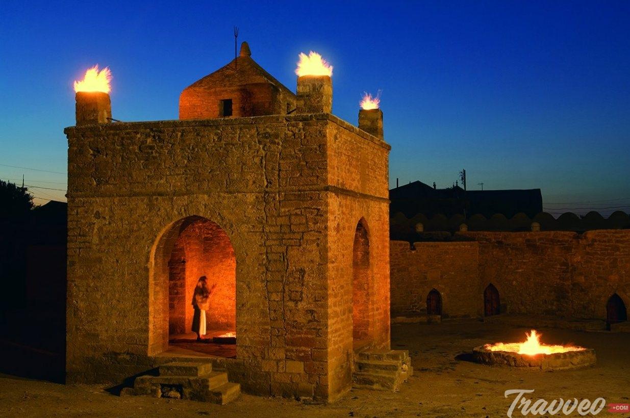 السياحة في باكو معبد النار