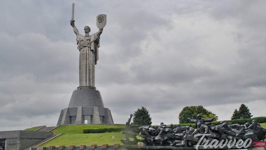 النصب التذكاري للوطن الام