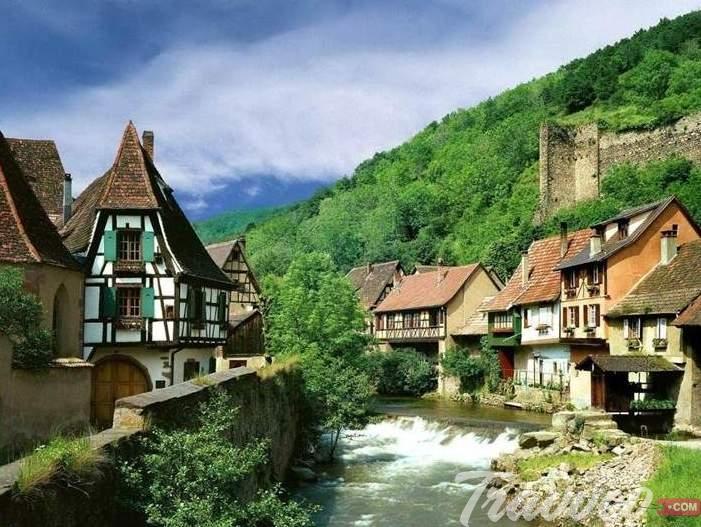 قرية تورني