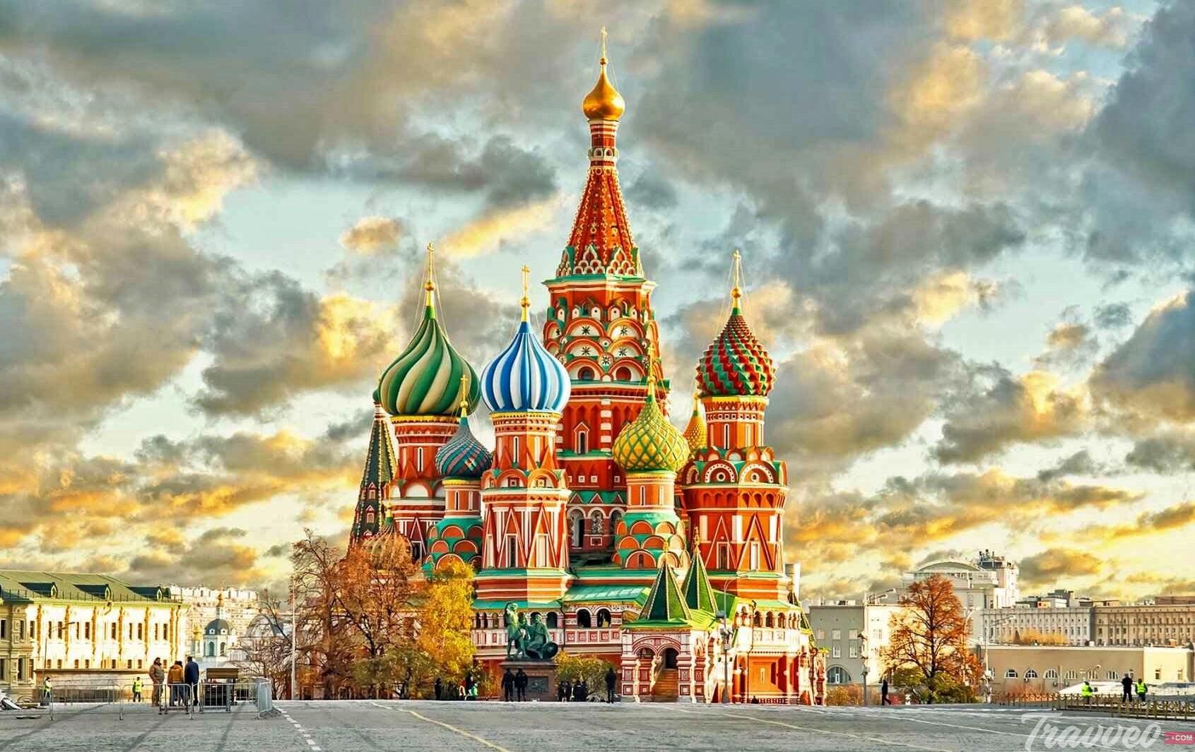 السياحة في الساحة الحمراء قلب موسكو