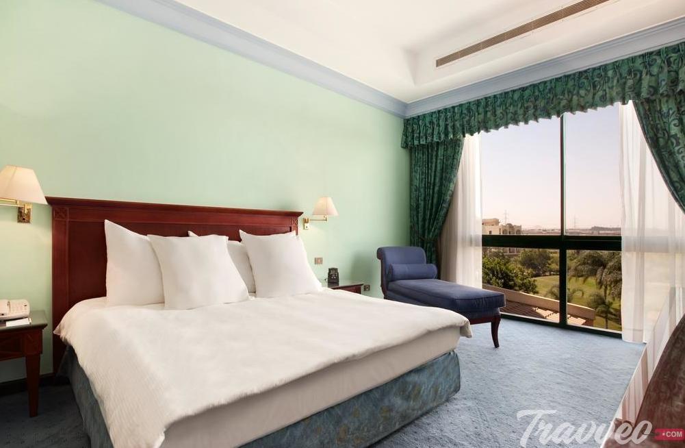 فندق هيلتون بيراميدز جولف