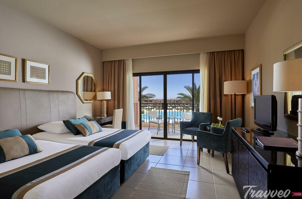 منتجع Jaz Oriental Resort - Almaza Bay