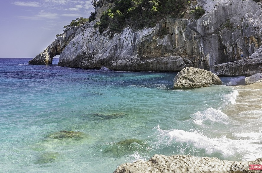 شاطئ كالا جولورتزي