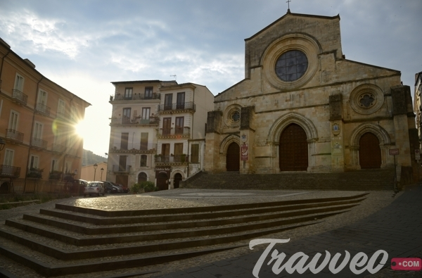 السياحة في كوزنسا الايطالية