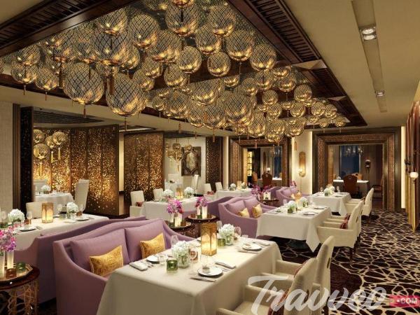 مطعم مرجان بفندق وولدورف استوريا راس الخيمة