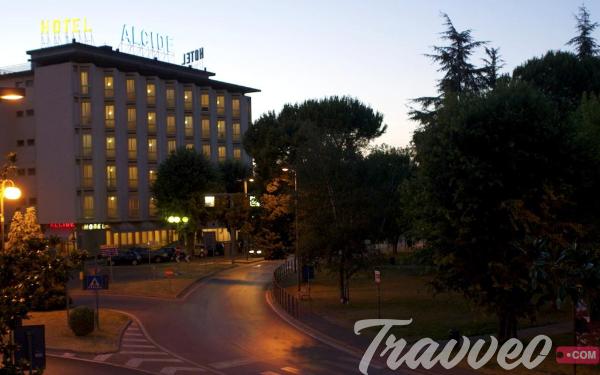 فندق Alcide