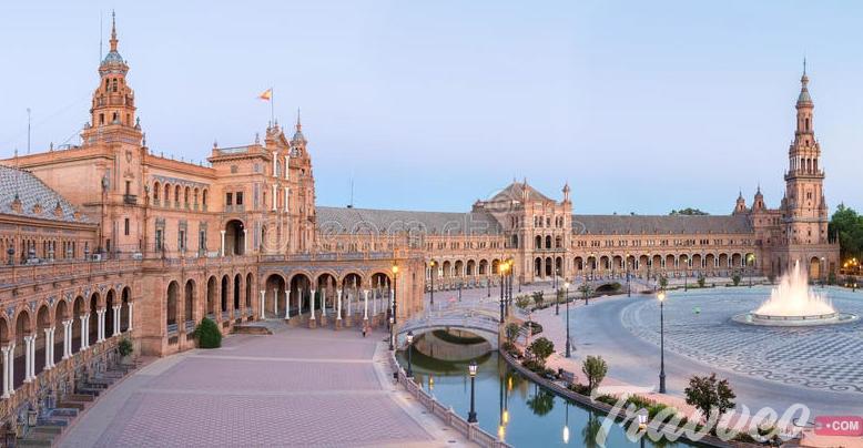 السياحة في بلازا اسبانيا