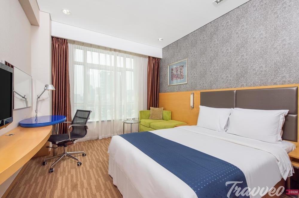 فندق هوليداي إن إكسربس بكين دونغتشيمن